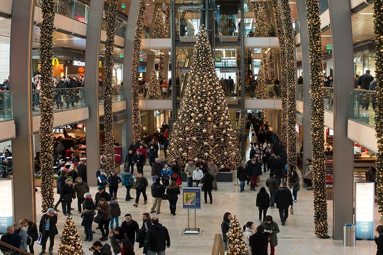 Retail Holiday Sales Expected To Increase