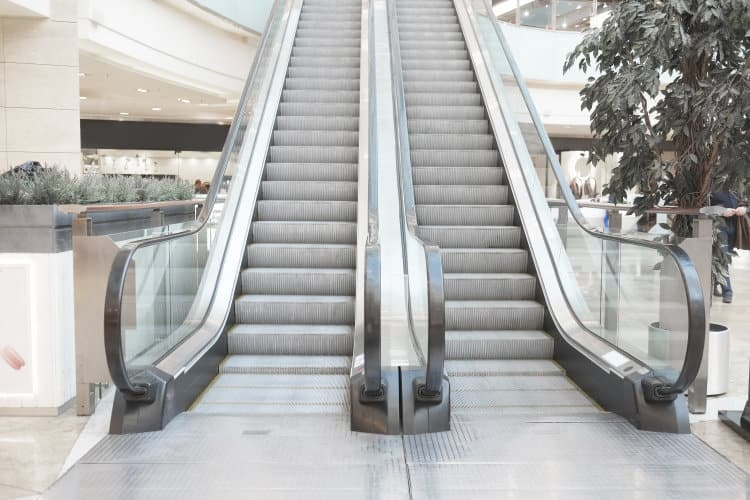 Despite Overall Superb Holiday Season – More Chain Store Troubles Ahead