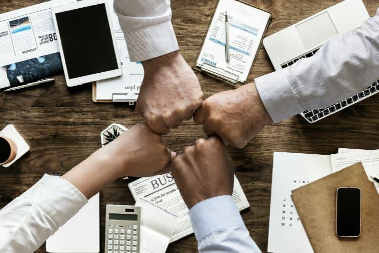 Do Online Merchants Need a Guild or Trade Association?