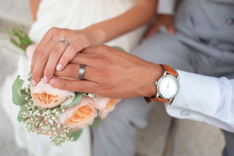 Amazon Compares Wedding Gift Registries Between U.S. and UK