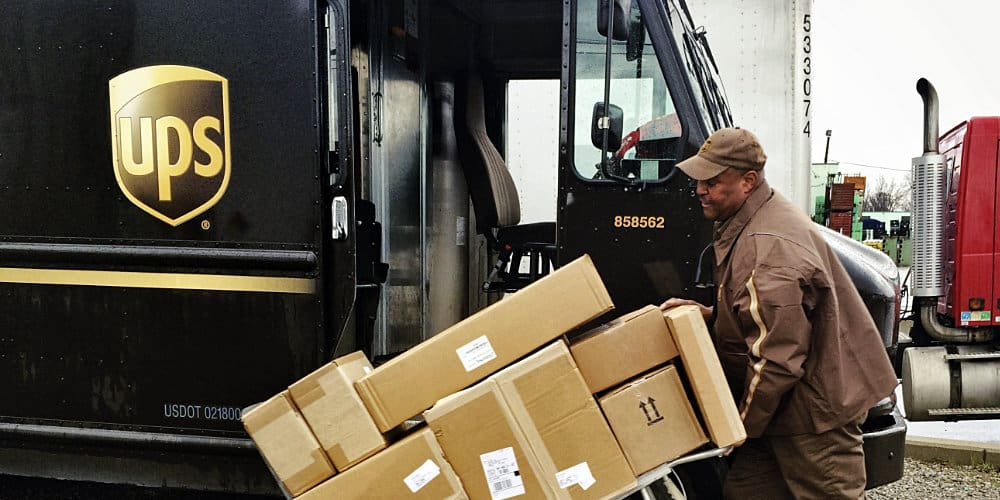 Ups Package Delivery Driver Pay >> Ups And Teamsters Avoid Strike Tentatively Agree On New