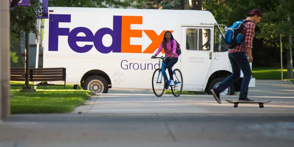 FedEx Ditches Post Office And Expands To Seven-Day