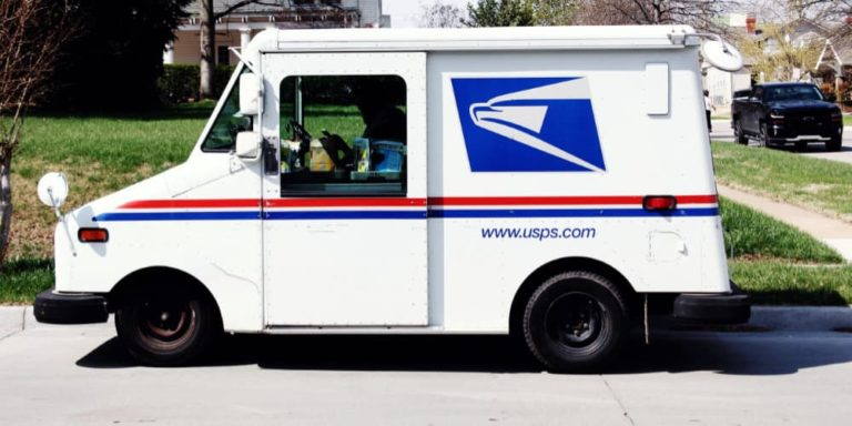 Report: Postal Workers Claim USPS Managers Force Employees to Falsify Deliveries