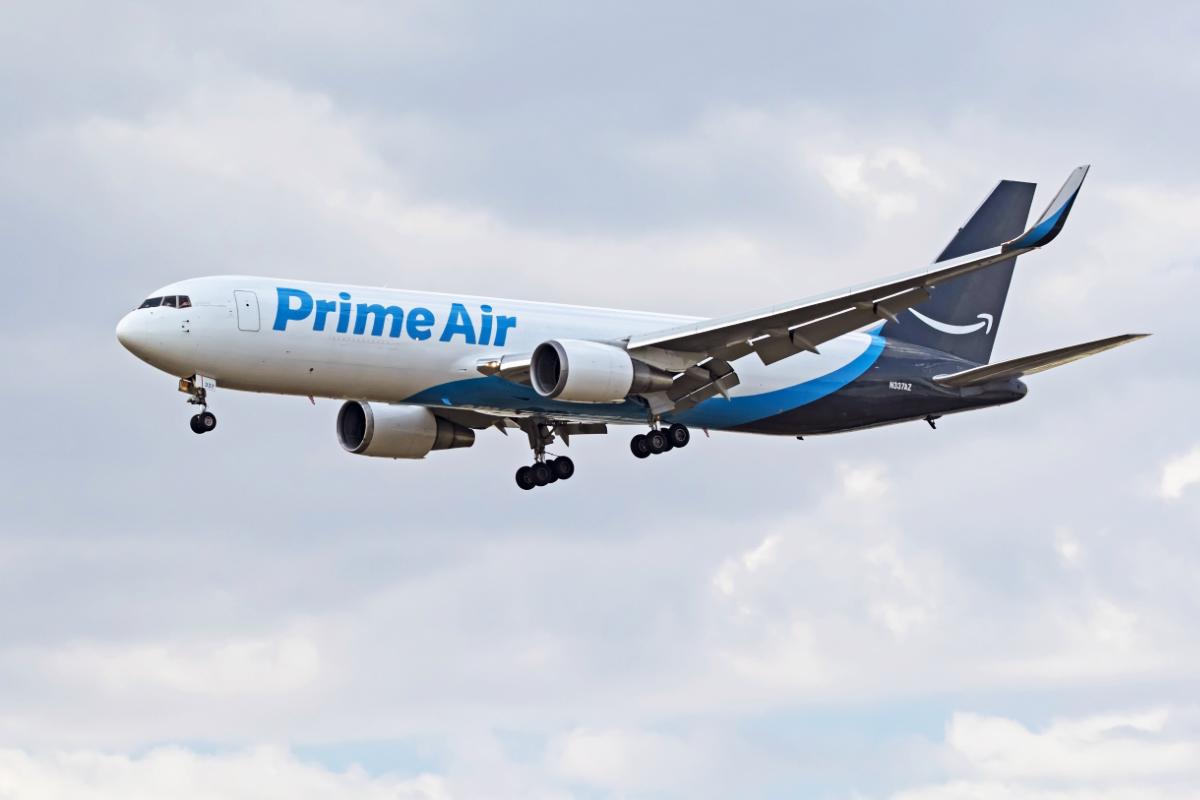 Amazon Air aircraft landing