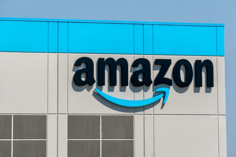 Amazon Pledges to Hire 100,000 U.S. Veterans and Military Spouses by 2024