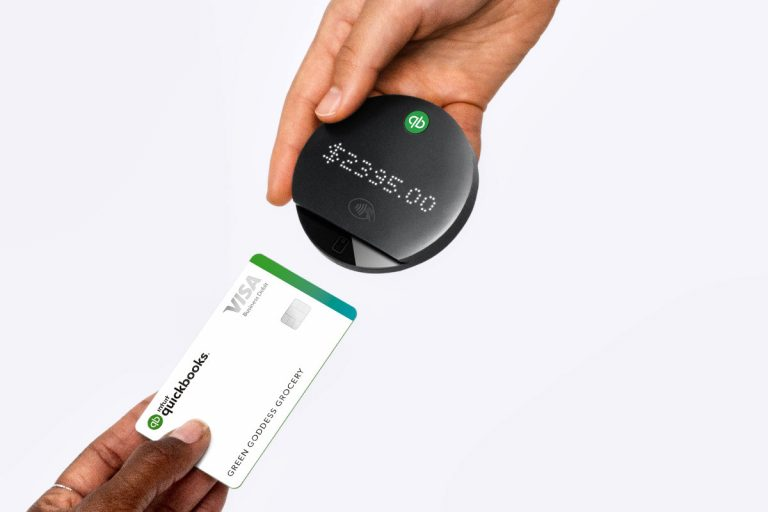 New QuickBooks Card Reader Makes Mobile Payments Easier