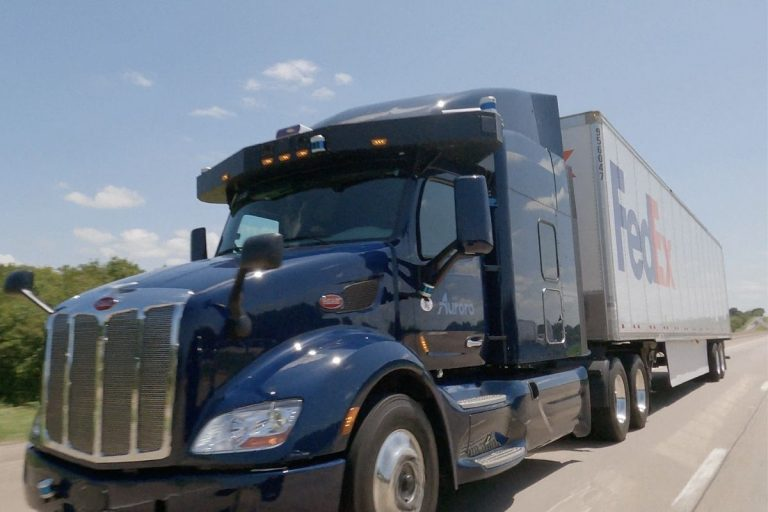 FedEx Teams Up with Aurora and PACCAR to Test Autonomous Technology