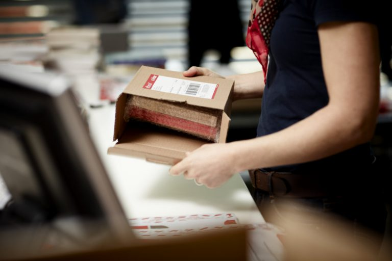 Australia Post to Temporarily Pause Parcel Post Collections from Online Retailers